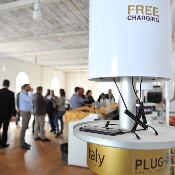 plug in box contattaci 2